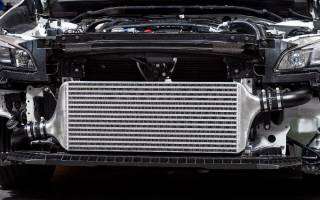 Из чего состоит радиатор охлаждения двигателя?