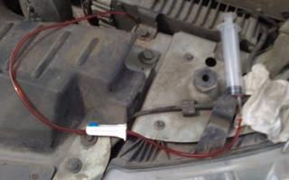 Как откачать излишки масла из двигателя?