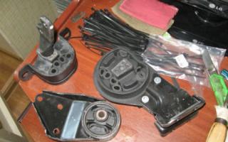 Как правильно затягивать подушки двигателя?