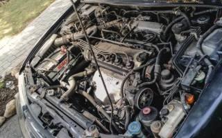 Чем лучше мыть двигатель автомобиля своими руками?