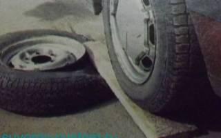 Как разбортировать колесо автомобиля своими руками?